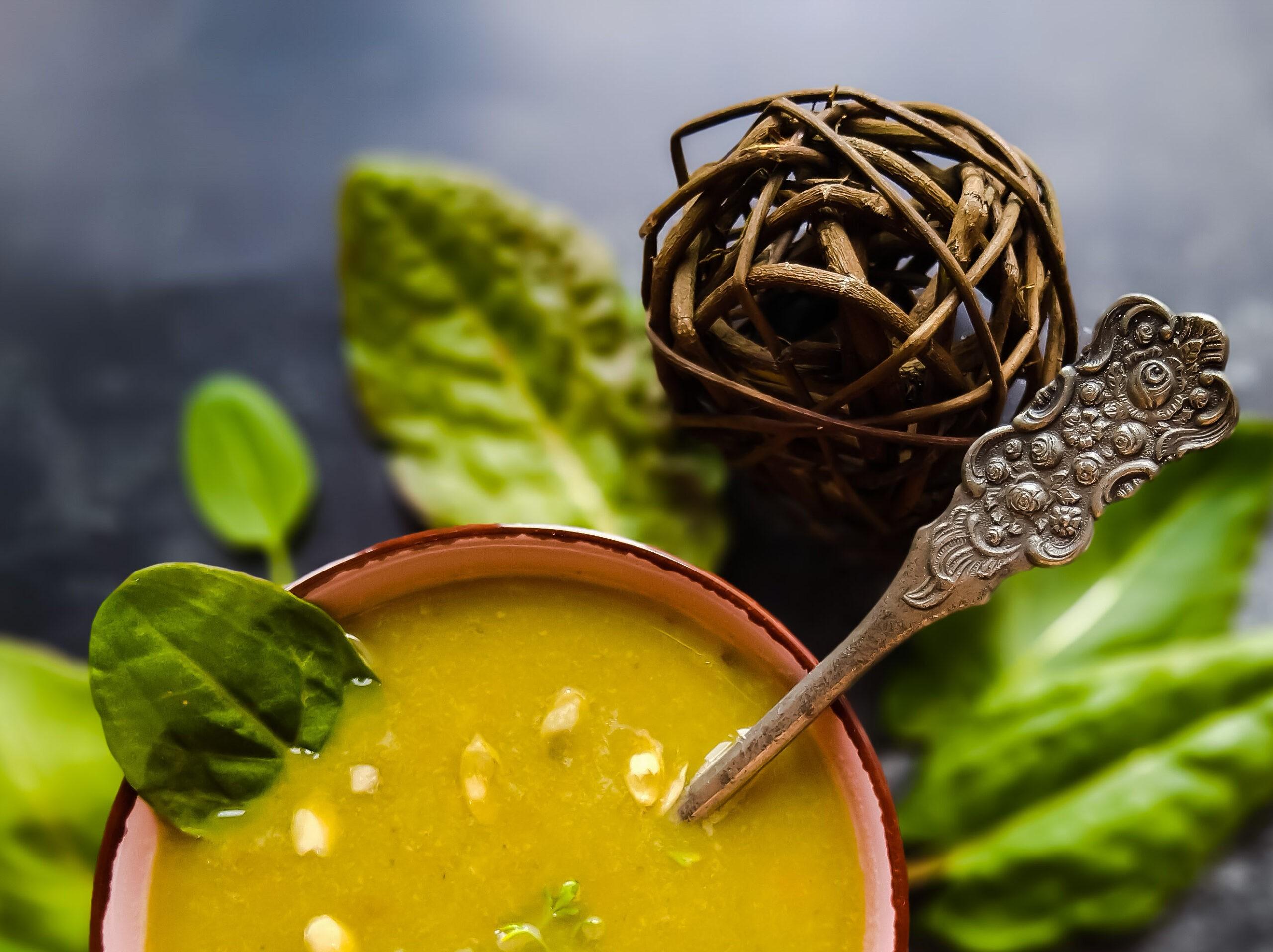 Wiosenna zupa zmłodego szczawiu